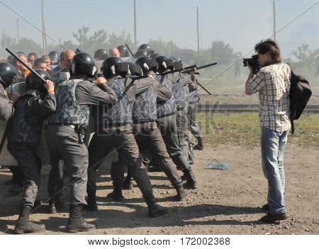 Photojournalist photographed dispersal of demonstration by police in Russia
