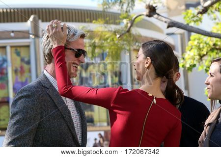 LOS ANGELES - JAN 25:  Matthew Modine, Angela Sarafyan at the Greet the Actor Statue - SAG Event at The Grove on January 25, 2017 in Los Angeles, CA