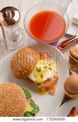 benedict eggs with juice