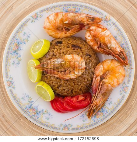 Cooked Fresh Shrimp With Rice Served In A Plate / Cooked Fresh Shrimp With Rice / Shrimp With Rice P