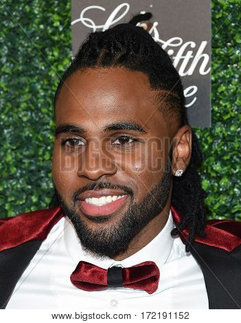 LOS ANGELES - FEB 16:  Jason Derulo arrives for the An Unforgettable Evening on February 16, 2017 in Beverly Hills, CA