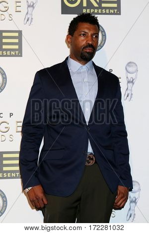 LOS ANGELES - FEB 10:  Deon Cole at the Non-Televised 48th NAACP Image Awards at Pasadena Conference Center on February 10, 2017 in Pasadena, CA