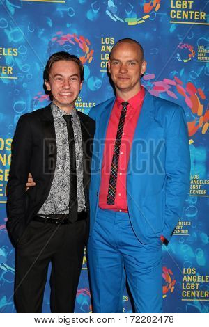 LOS ANGELES - SEP 24:  Hayden Byerly, Peter Paige at the Los Angeles LGBT Center 47th Anniversary Gala Vanguard Awards at the Pacific Design Center on September 24, 2016 in West Hollywood, CA