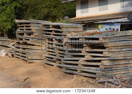 Building Materials Division Local Construction Building structure of the building concrete piles the main structure