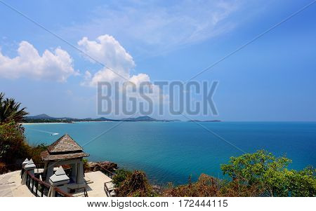 Photos exotic island a top view of the sea and mountains