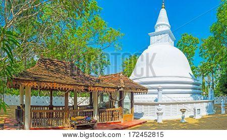 The Stupa Of Padeniya Temple