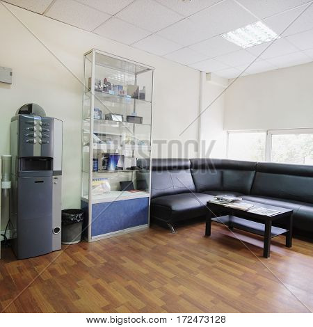 Interior of a visitor room in an auto service