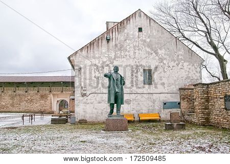 NARVA, ESTONIA - JANUARY 2, 2017: Vladimir Lenin Monument in the courtyard of Hermann Castle Museum. It was brought from Peter Square in 90s