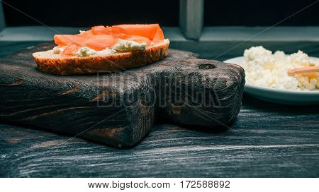Sandwich of bran bread with cottage cheese and pickled ginger