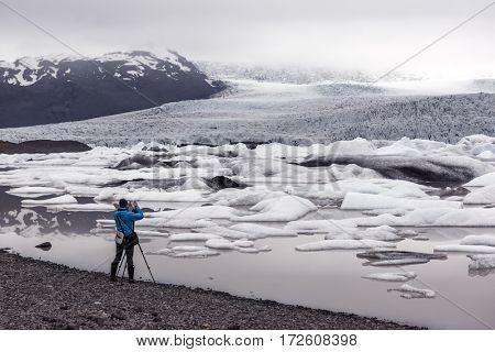Icebergs in Vatnajokull glacial lagoon. Vatnajokull National Park, southeast Iceland, Europe.