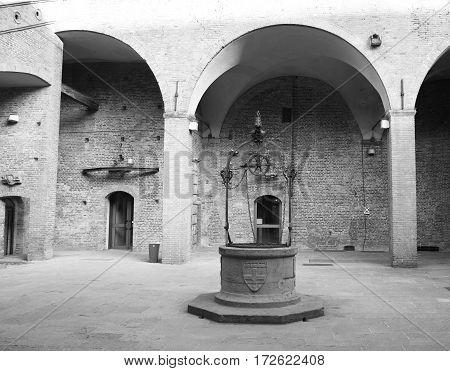 Italian medieval yard - Bologna Palazzo del podestà in Bologna