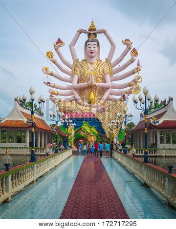 Koh Samui, Thailand - Januar 1st 2017: The Statue of Chao Mae Kuan Im or Guanyin, the Goddess of Mercy, in Wat Plai Leam Buddhist Temple (Samui Floating Temple) built in Early 2000s.