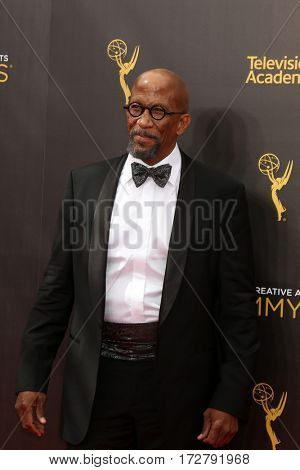 LOS ANGELES - SEP 10:  Reg E Cathey at the 2016 Creative Arts Emmy Awards - Day 1 - Arrivals at the Microsoft Theater on September 10, 2016 in Los Angeles, CA