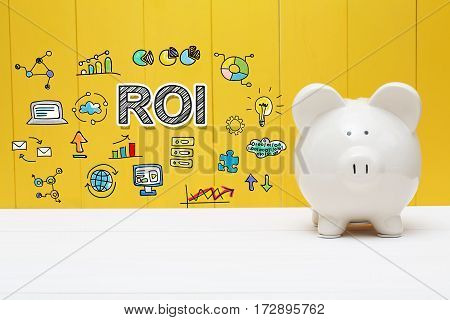 Roi Text With Piggy Bank