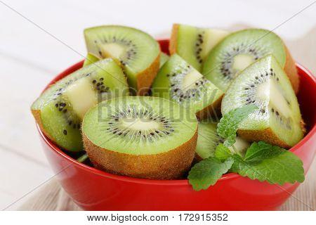 bowl of sliced kiwi - close up