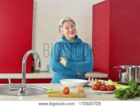 Lady in the kitchen