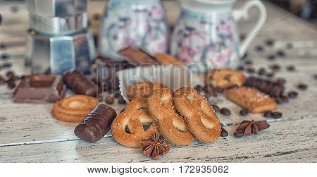coffee break, kitchen, festive, sweet, cookies, gingerbread, tasty, homemade, breakfast, gift, delicious, dessert, winter, cosy, brown, comfort, coffee pot, table, wooden, sugar, background, closeup, coffee, milk pot, baked, milk, christmas, star anise, c