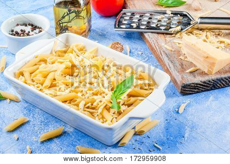 Macaroni With Grated Cheese