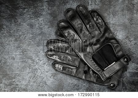 Pair of driving gloves