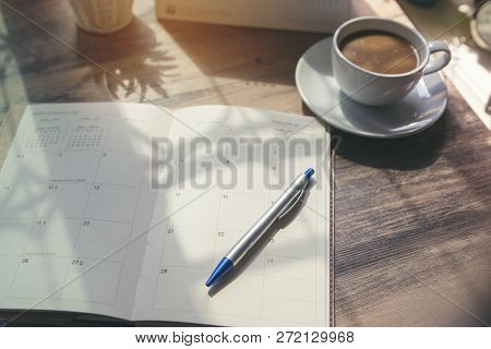 Desktop Calendar 2019 ,cup Of Coffee Place On Office Desk.calender And Notebook For Planner, Timetab