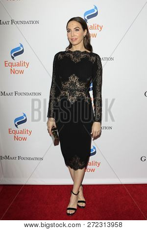 LOS ANGELES - DEC 3:  Whitney Cummings at the Make Equality Reality Gala at the Beverly Hilton Hotel on December 3, 2018 in Beverly Hills, CA