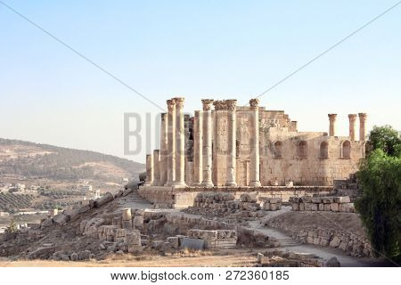Temple of Zeus in Jerash (Gerasa), ancient roman capital and largest city of Jerash Governorate, Jordan, Middle East. UNESCO world heritage site