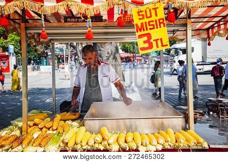 Istanbul, Turkey, August 14, 2018: A Street Vendor Cooks Corn At The Sultanahmet Square On August 14