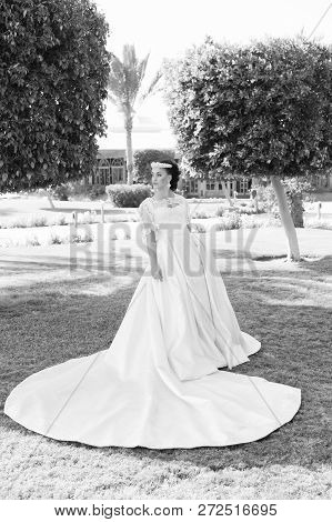 Dress Of Her Dream. Advice And Tips From Wedding Abroad Experts. Things Consider Wedding Abroad. Bri