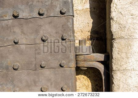 Belgrade, Serbia - November 10, 2018: Stambol Gate At Belgrade Fortress And Kalemegdan Park In The C