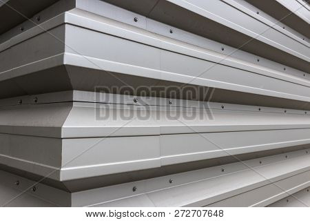 White Gray Aluminum Siding Corner With Sheet Metal Screws