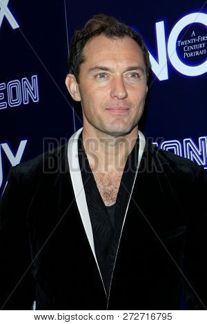 LOS ANGELES - DEC 5:  Jude Law at the
