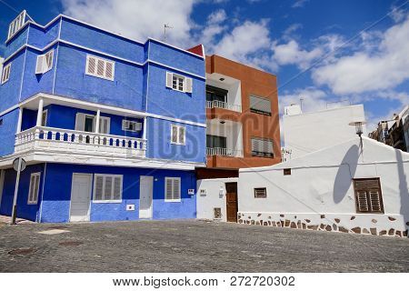 Photo Picture Of A Colonial Buiding House In Tenerife