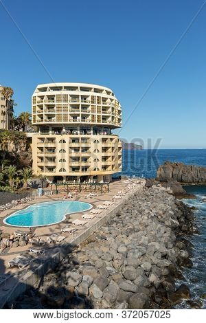 Funchal, Madeira, Portugal - April 17, 2018:  Swimming Pool With Tourists At Lido Hotels Zone In Fun