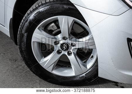 Novosibirsk/ Russia - June 10  2020: Hyundai I40, Car Wheel With Alloy Wheel And New Rubber On A Car