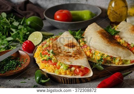 Scrambled Eggs With Tortillas