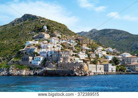 Greece, Thessaloniki Gulf, The Island Of Hydra Village Seen From The Sea