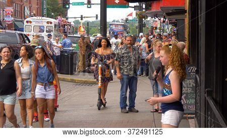 Young Singer And Street Musician Performing On Broadway In Nashville - Nashville, Usa - June 17, 201