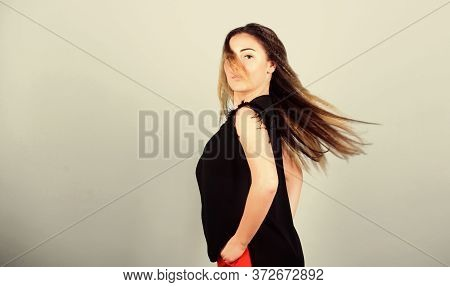 Nice And Easy. Trendy Crimped Hairstyle. Fashion Girl Stylish Hairstyle. Hair Crimping Method Stylin