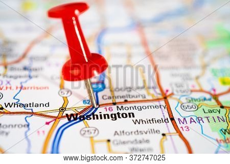 Bangkok, Thailand, June 1, 2020 Washington, Road Map With Red Pushpin, City In The United States Of