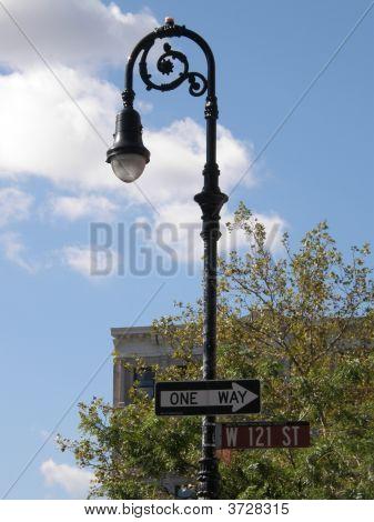 American Lamp Post