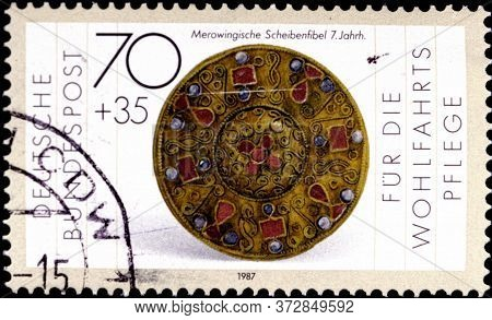 02 08 2020 Divnoe Stavropol Territory Russia Postage Stamp Germany 1987 Gold And Silversmithing Welf