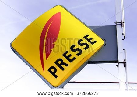 Presse French Sign Logo Newspaper Store Seller Press Facade Shop Yellow Symbol