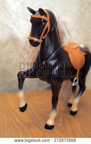 Children's Toy Plastic Horse With Long Mane