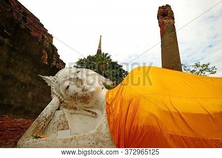 Beautiful Medieval Reclining Buddha Image In The Temple Ruins Of Wat Yai Chai Mongkhon, Ayutthaya Hi