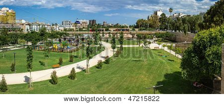 Valencia, Turia gardens