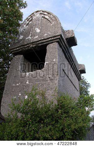 Big Sarcophagus