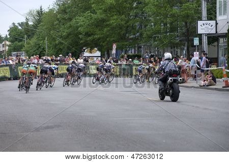 Cyclists Chase Leaders At Uptown Criterium