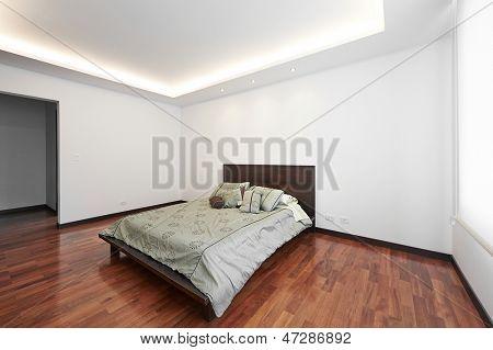 Interior design: Modern big bedroom