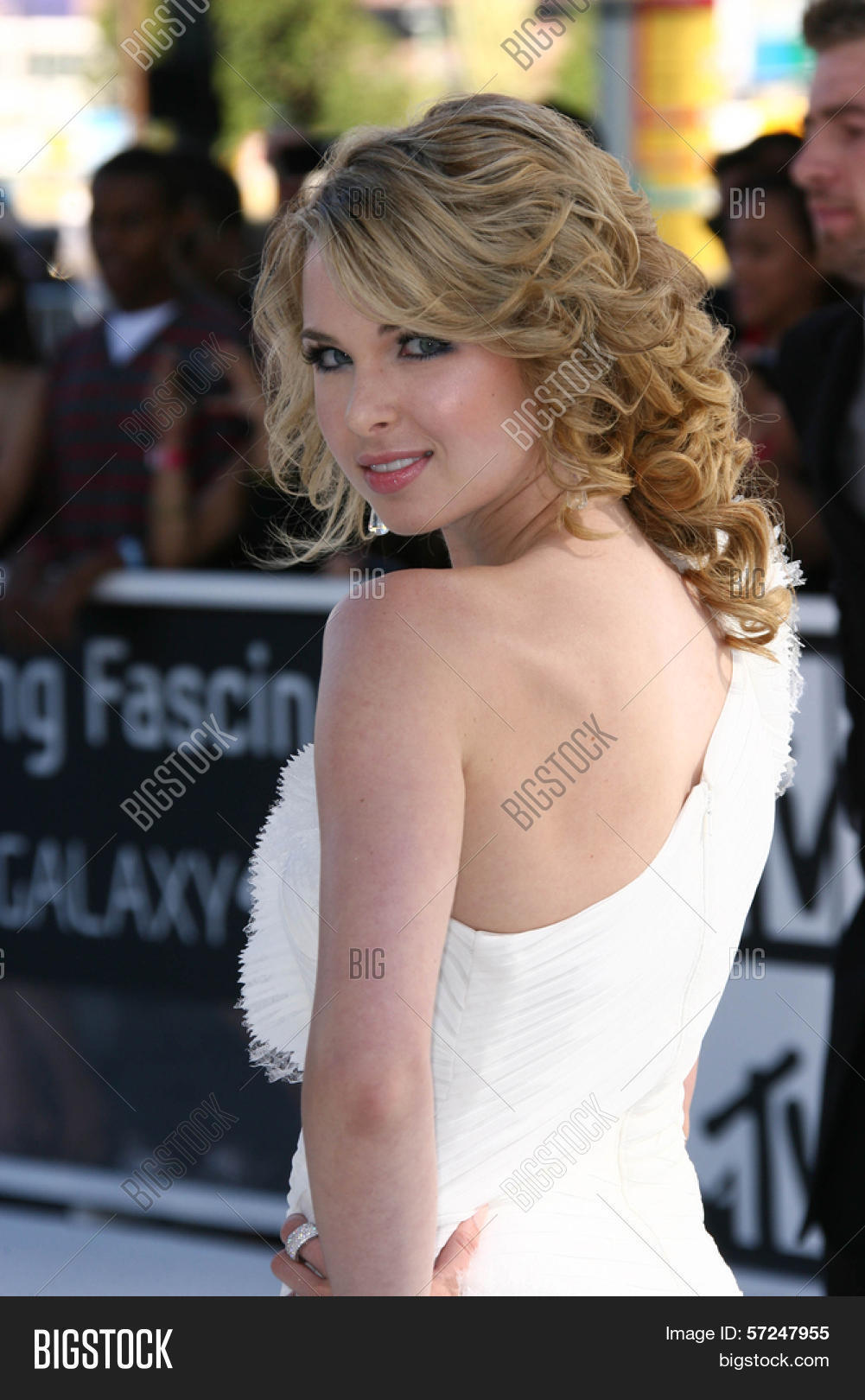 Kirsten Prout Nude Photos 14
