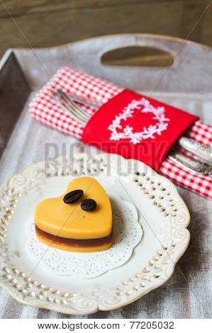 Mocca Cake Heart-shaped